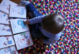 Choisir un livre personnalisé pour un petit garçon